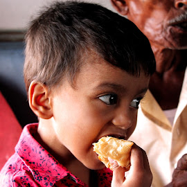 ''A person's a person, no matter how small.'' by Arka Chakraborty - Babies & Children Children Candids ( child, food, infant, train, boy )
