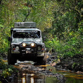 Land Rover Off road by Thiago Silva - Transportation Automobiles