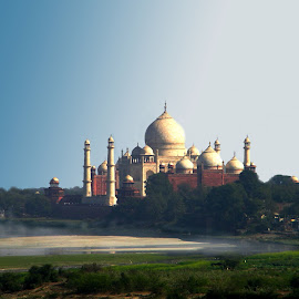 Taj on Yamuna by Mrinmoy Ghosh - Buildings & Architecture Statues & Monuments (  )