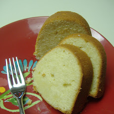 Classic 7-Up Pound Cake