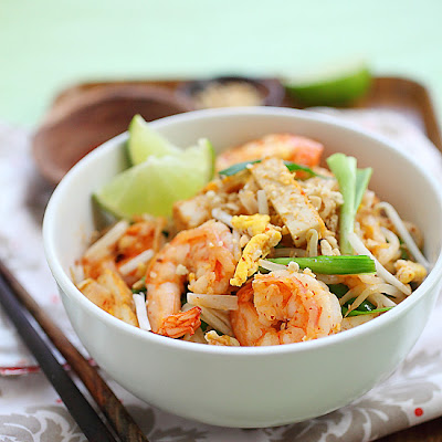 Shrimp Pad Thai on the Lighter Side