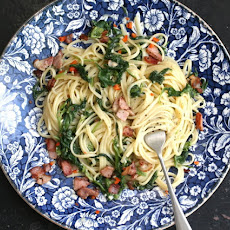 Linguine With Spinach, Bacon, Garlic And Stracciatella Cheese