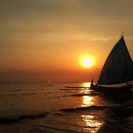 Sunset boat by Rei Sulistyoningsih - Instagram & Mobile Android