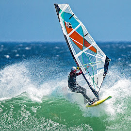 On the lip by Roger Lagesse - Sports & Fitness Watersports