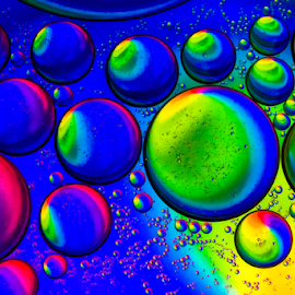 Water & Oil.. I by Ubayoedin As Syam - Abstract Macro