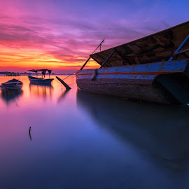 Tilting Boat by Aditya Permana - Transportation Boats
