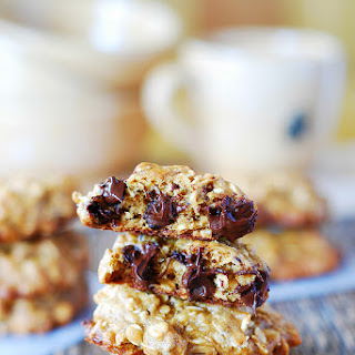 Thick And Chewy Banana Oatmeal Cookies With Chocolate Chips