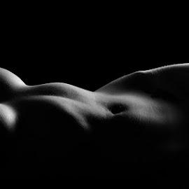Lines of beauty by John Einar Sandvand - Nudes & Boudoir Artistic Nude ( krakow )