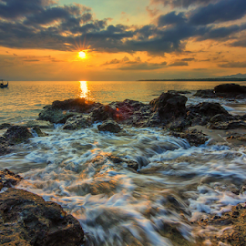 Chase the sun by Gus Mang Ming - Landscapes Sunsets & Sunrises ( bali, sunset )