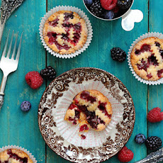 Mini Mixed Berry Pie