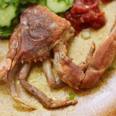Cook the Book: Garlic and Black Pepper Soft-Shell Crabs