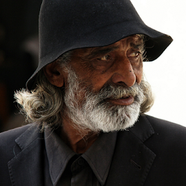 The patriarch by Fernando Alves Fotografia - People Portraits of Men