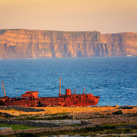 Shipwreck... of Moher by Guido Todarello - Landscapes Travel ( scogliere, isole aran, cliffs, ireland, inisheer, aran, cliffs of moher, inis oírr, rusty, scogliere di moher, aran islands, shipwreck, relitto, irlanda, scogliera )