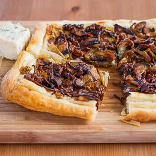 Caramelized Onions and Mushrooms Tart with Blue Cheese