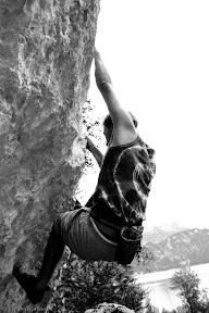 Klettern_michi_attersee_S_W_(c)_Bernhard_Plank.jpg