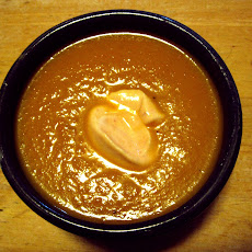 Carrot-leek soup with curry, ginger and garlic