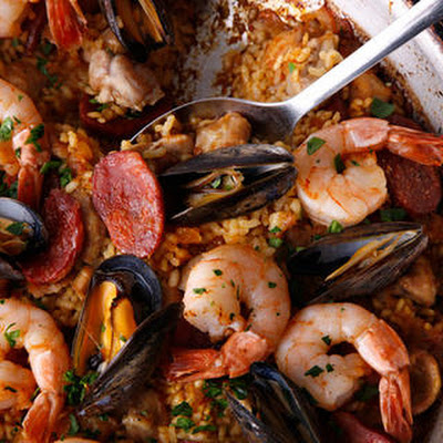 Frying Pan Paella Mixta (Paella with Seafood and Meat)