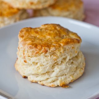 Fluffy Mozzarella Biscuits