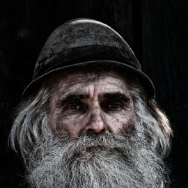 Old man by Kitting Dominic - People Portraits of Men ( old, oldman, people, portrait, man )
