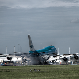 Touchdown 3 by Mike Bing - Transportation Airplanes ( schiphol, 747, airport, touchdown, klm, amsterdam )