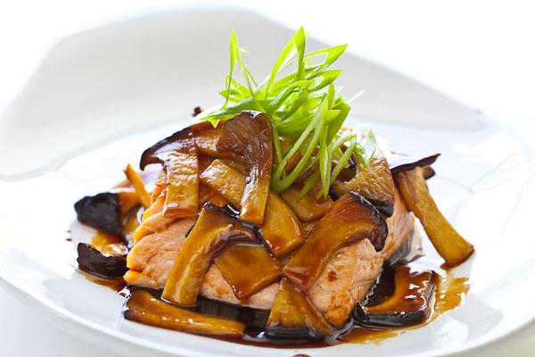 Teriyaki Mushroom Sauce with Grilled Salmon Recept | Yummly