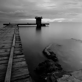 by Jonas Wakarmamu - Landscapes Beaches