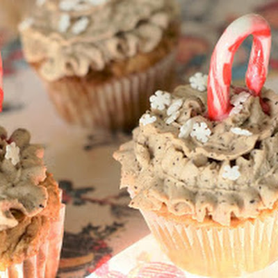 Christmas Cupcakes – Holiday Cupcakes for the Starbucks Addict