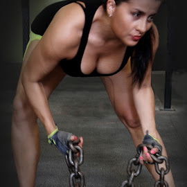 The Chain by Humberto Reyno - Sports & Fitness Fitness ( fitness, chain, chains, sports, people, lifting )
