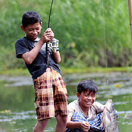 :: Fishing :: by Dedy Haryanto - Babies & Children Children Candids (  )