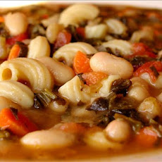 Hearty Tuscan White Bean Soup