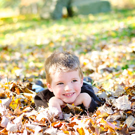 Fall Chilren Portrait by Christina Smith - Babies & Children Child Portraits ( children portrait, fall, fall portraits, leaves, twisted images photography, , color, colorful, nature )
