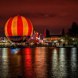 Hot air balloon. by Clive Chick - Landscapes Travel