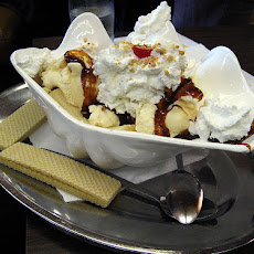 Hg's Top Banana Split - Weight Watchers = 4 Points