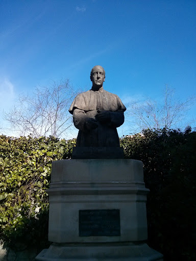 Monumento A Joaquín Masmitjà