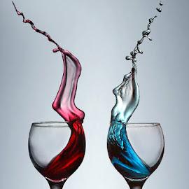 by Jhojon Jenkgod - Abstract Water Drops & Splashes