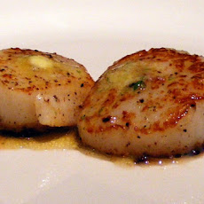 Seared Scallops with Ginger Sauce