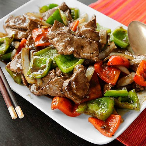 Chinese Pepper Steak (Stir-Fried Beef with Onions, Peppers, and Black Pepper Sauce)