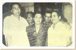 normal_Mohd-Rafi-with-Sahir-Ludhianvi,-Jaan-Nisar-Akhtar,-Madan-Mohan,-Minoo-Phatak-during-the-recording-of-a-song