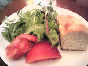 PIETRAのサラダとパン
