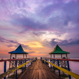 Free by Yossy Ryananta - Landscapes Sunsets & Sunrises ( water, kenjeran, color, kenji, beach, east )
