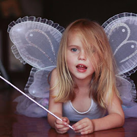 Madam was a fairy all afternoon... by Daniela Gisi Havenga - Babies & Children Child Portraits