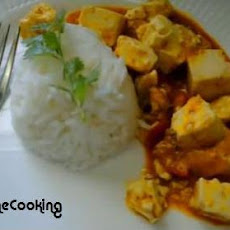 Solar Cooked Thai Tofu Red Curry With Vegetables
