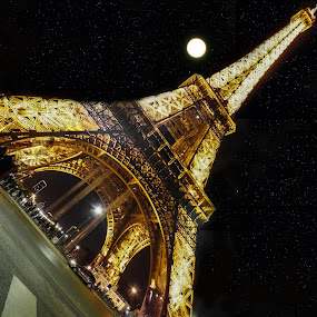 eiffel tower by Nesrine el Khatib - Buildings & Architecture Public & Historical ( paris, eiffel tower, tour eiffel, , city at night, street at night, park at night, nightlife, night life, nighttime in the city )
