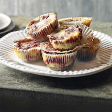 Cranberry Ripple Cheese-cupcakes