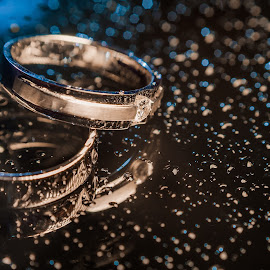 The Wedding Band by Calvin Ng - Wedding Details ( wedding details. product, macro, ring shot, 50mm,  )