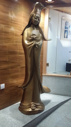 Mini Kuan Ian Statue
