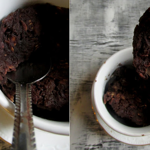 5 Minute Chocolate Mug Cake 'Baked' Oatmeal