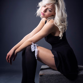 Dianna 1700 by Keith Darmanin - People Fashion ( studio, model, dianna ivanova, kitzklikz, photography, lights, sexy, blonde, sweet, kitz klikz, tights, keith darmanin, hair, black )