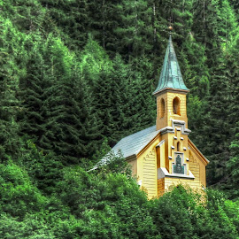 chapel -Gressoney-Saint-Jean ( Val d'Aosta ) by Fernando Ale - Buildings & Architecture Places of Worship
