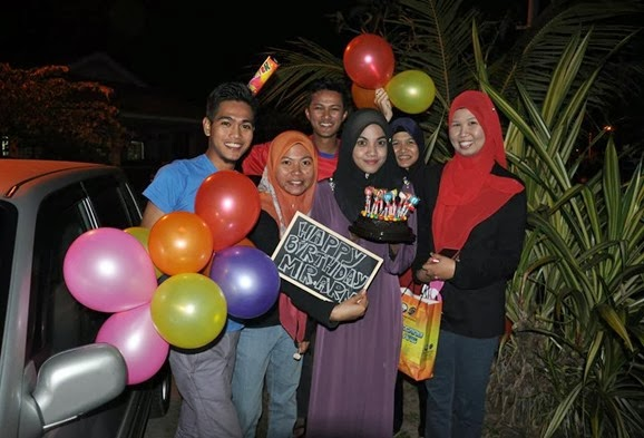 gambar surprise birthday